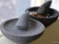 Cobek Batu Merapi Baru (Depan) dan Lama (Belakang)