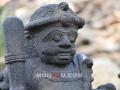 Arca Dwarapala / Patung Gupolog tampak depan