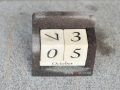 Kalendar Batu Alam dan Batu Putih Tampak Samping Atas