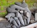 Berbagai ukurang Munthu hasil Pahat Batu