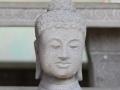 Patung Arca Kepala Budha Tampak Depan