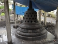 stupa-candi-borobudur-batu-alam-merapi-4