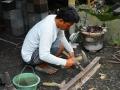 Proses Penempaan Alat Pahat Batu supaya Tajam (dipipihkan)