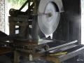 Gergaji Mesin / Mesin Potong dengan Tenaga Diesel