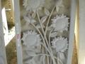 Relief Dinding Batu Putih Motif Ornamen Bunga Matahari 1