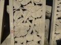 Relief Dinding Batu Putih Motif Ukiran Bunga Sepatu