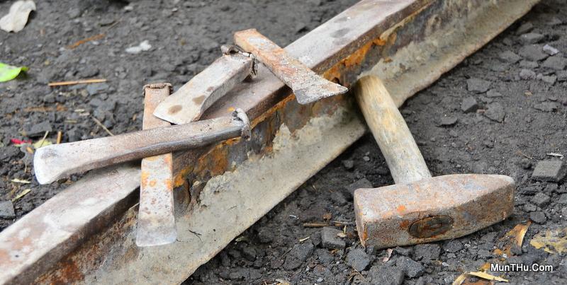 Beberapa Peralatan Utama Pahat Batu