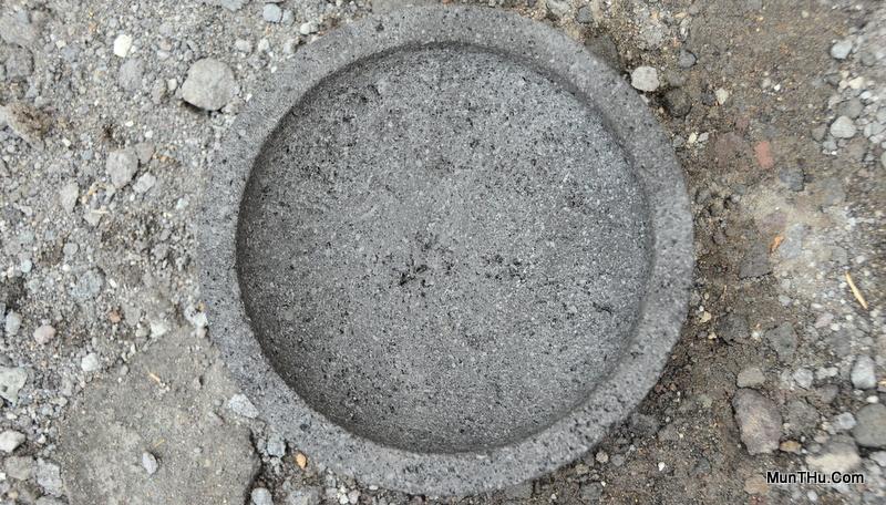Cobek Batu Gunung Merapi Kualitas Buruk Sekali