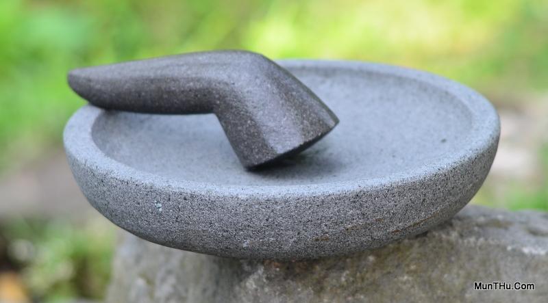Contoh Cobek dan Ulekan Batu Gunung Merapi Kualitas Bagus