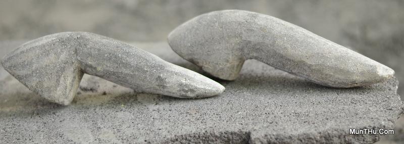 """Muntu / Ulek-ulek / Ulekan / Ulegan / Uleg-uleg/ Munthu Masih """"hangat"""" baru selesai dipahat oleh Pengrajin Batu Dusun Sewan"""