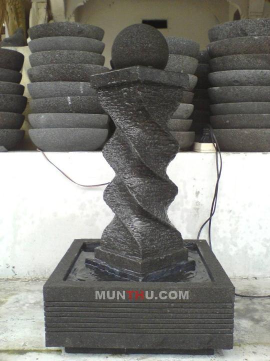 Air Mancur Cagak / Tiang Bermotif Ular