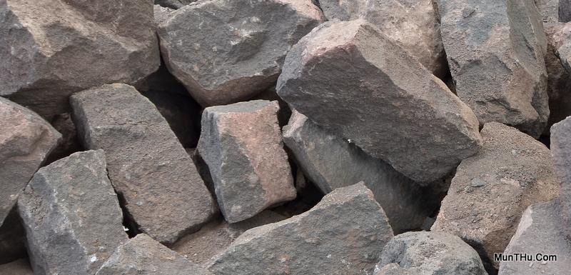 Batu Bentuk Kotak (Untuk Cobek biasanya Ukurannya kecil-kecil dan pipih)