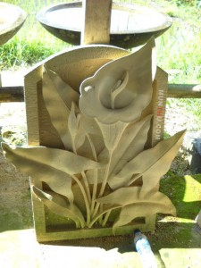 Relief Dinding Batu Putih Motif Ornamen Bunga Kuncung Bawok