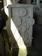 Relief Dinding Batu Putih Motif Ukiran Ayam Jantan dan Bunga Matahari