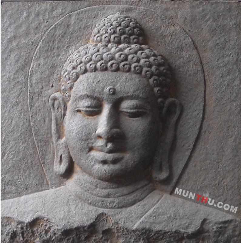 Relief Kepala Budha Batu Alam Merapi Ukuran 50×60