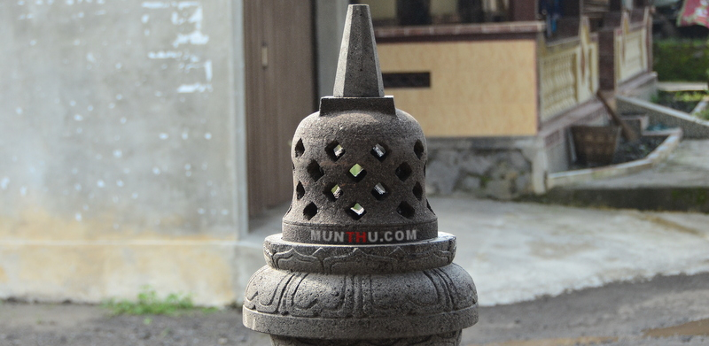 Miniatur Stupa Candi Borobudur Batu Alam Merapi Ukuran T40CM D25CM