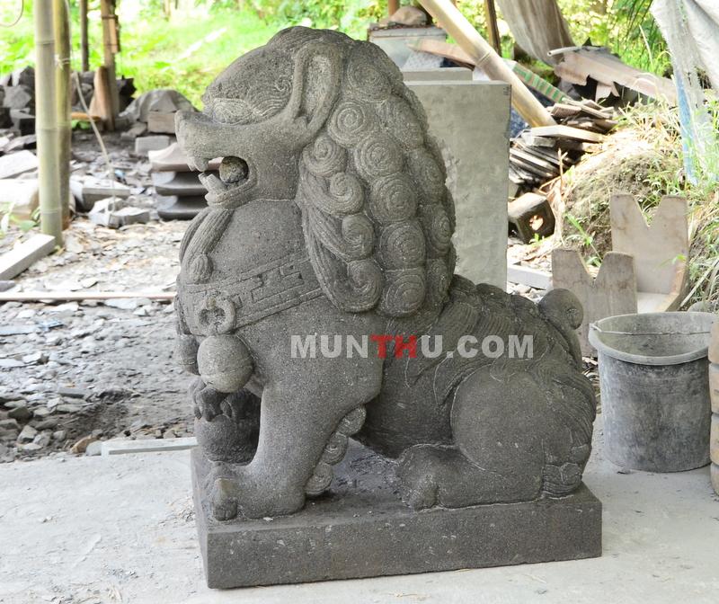 Patung Samsi (Singa) Batu Alam / Candi (Penjaga Gerbang / Pintu) Gunung Merapi