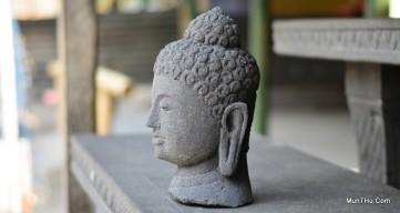 Arca / Patung Kepala Budha Batu Candi / Alam Merapi