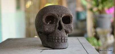 Patung Tengkorak Kepala Manusia Batu Alam Gunung Merapi
