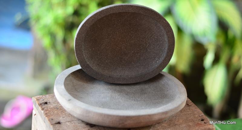 Cobek Batu Kali Bentuk Oval / Lonjong