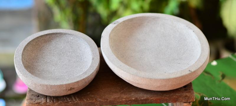 Cobek Batu Kali Elo Kondisi Kering: Warna Keputihan