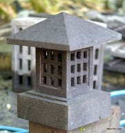 Lampion Batu Atap Minimalis
