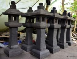 Lampion Cagak Batu Alam Merapi Tinggi 1 meter kap 30cm