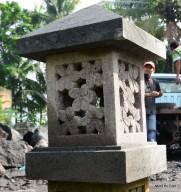 Lampion Pagar Motif Bunga Kamboja Batu Candi Merapi