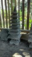 Lampion Batu Alam Pagoda / Pura Atap 8 Tingkat