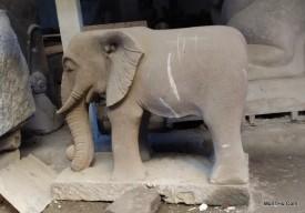 Patung Gajah Batu Alam Merapi