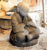 Patung Biksu Shaolin Batu Alam Merapi