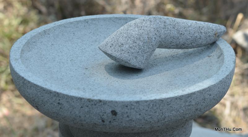 cobek-batu-kali-pori-mudah-menghaluskan-bumbu-awet-kuat-munthucom-2