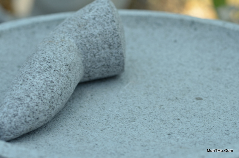 cobek-batu-kali-pori-mudah-menghaluskan-bumbu-awet-kuat-munthucom-3
