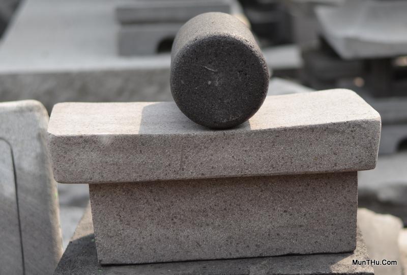 Gandik dan Pipisan Batu Penggilas Jamu dan Obat Tradisional