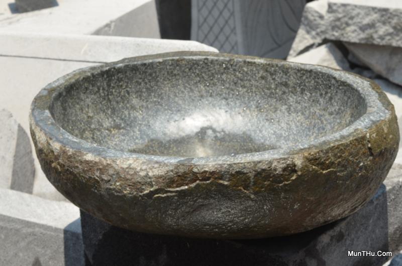 Wastafel Batu Kali: Tempat Cuci Tangan / Muka dari Batuan Sungai