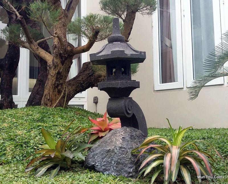 Lampion Batu Alam bentuk Rankai