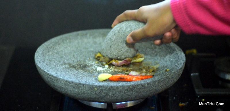 Cobek Batu Bakar Merapi