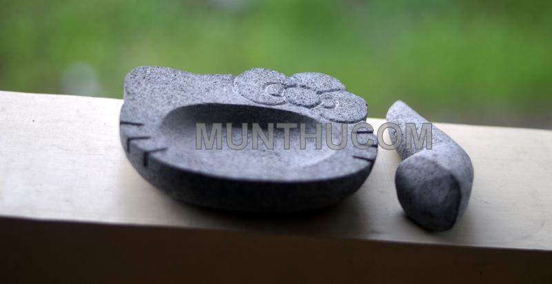 Cobek Hello Kitty Batu Kali Mungil 15cm + Ulekan