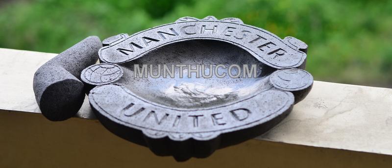 Cobek Manchester United / MU Batu Kali